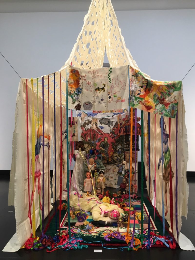 Delaine Le Bas Hexenjagd. Stoffkapelle, 2009 installation, Maße variabel / installation, dimensions variable Photo: Isabel Raabe